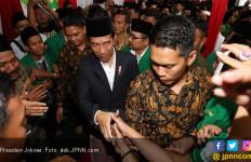 Luhut Ungkap Teman Salat Jumat Jokowi saat Kecil - JPNN.com