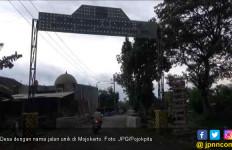 Di Desa Ini Ada Nama Jalan Kondom - JPNN.com