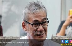 Tio Pakusadewo Dilarikan ke Rumah Sakit - JPNN.com