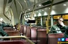 Bercinta di Bus Tingkat, 2 Sejoli Dapat Tepuk Tangan Meriah - JPNN.com