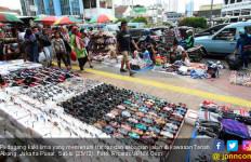 Anak Buah Anies Sebut Pejalan Kaki Butuh PKL di Trotoar - JPNN.com