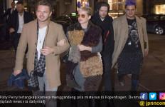 Siapa Pria Misterius Gandengan Baru Katy Perry Ini? - JPNN.com