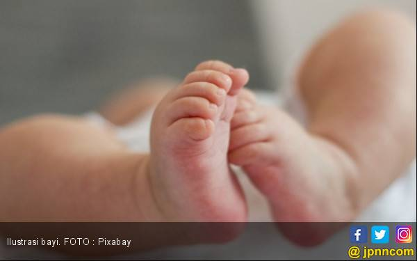 Pasangan Muda Tepergok Buang Bayi di Sawah - JPNN.com