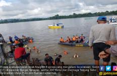 Kecelakaan Kapal Anugrah Express, 43 Selamat, 8 Orang Tewas - JPNN.com
