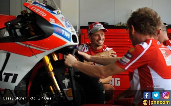 Casey Stoner Kembali Beraksi Bersama Ducati - JPNN.com