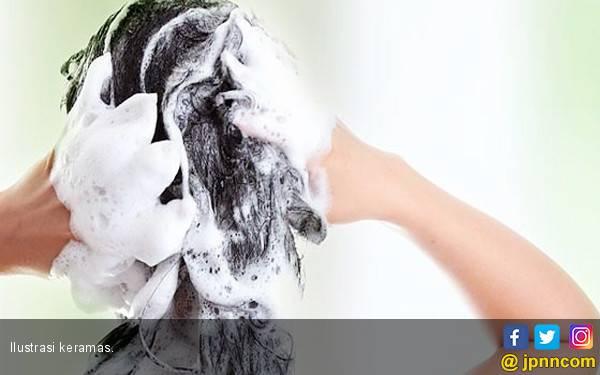 Ketahui Frekuensi Keramas Sesuai dengan Jenis Rambut - JPNN.com