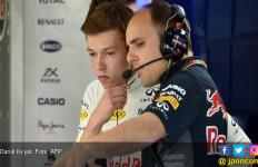 Toro Rosso Jilat Ludah Sendiri dengan Tarik Kvyat Lagi - JPNN.com