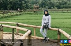 Vebby Palwinta Dapat Kerjaan Pertama Setelah Berhijab - JPNN.com