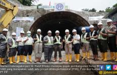 Menaker Kunjungi Proyek Terowongan Double Track Terpanjang - JPNN.com