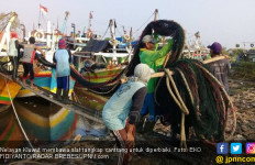Bu Susi Tinjau Pendataan Kapal Nelayan Di Tegal - JPNN.com