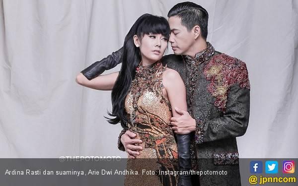 Perut Semakin Buncit, Ardina Rasti Hamil? - JPNN.com