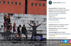 Lihat Aksi Suporter PSPS Beri Dukungan di Piala Presiden - JPNN.com