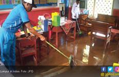 Gara-Gara Lumpur, 106 Siswa Diliburkan - JPNN.com