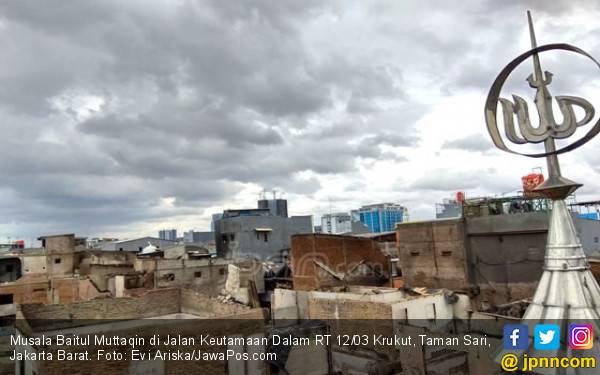 Bule Ngamuk Dengar Selawatan, Polri: Sabar Aja - JPNN.com