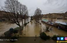 Sungai Seine Meluap, Pemkot Paris Ungsikan 1.500 Warga - JPNN.com
