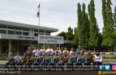 Suradi Pimpin Pasukan Menyambangi Puspen TNI dan Dispenal - JPNN.com