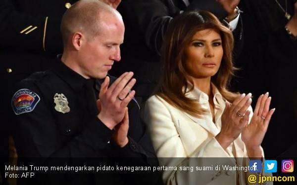 Ivanka dan Melania Ngambek, Trump Revisi Kebijakan Imigrasi - JPNN.com