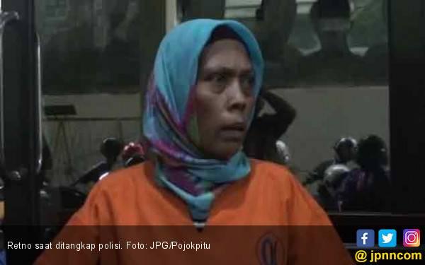 Retno Sedang Beraksi di Kamar Hotel Saat Polisi Datang - JPNN.com