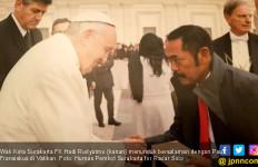 Pak Rudy Doakan Presiden Jokowi di Depan Paus Fransiskus - JPNN.com