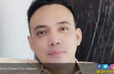 Bebas dari Rutan Salemba, Sandy Tumiwa Menangis Minta Maaf - JPNN.com
