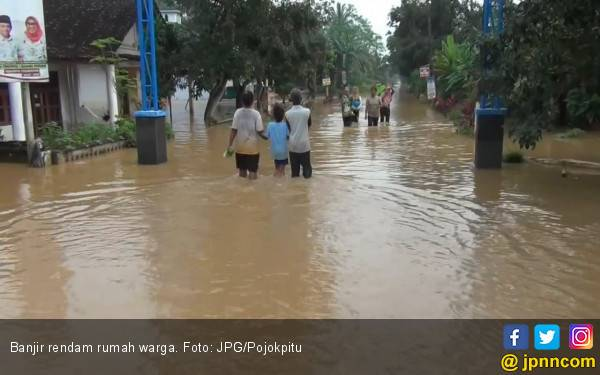 Sebanyak 50 Personel BPBD Kota Bekasi Siaga Banjir - JPNN.com