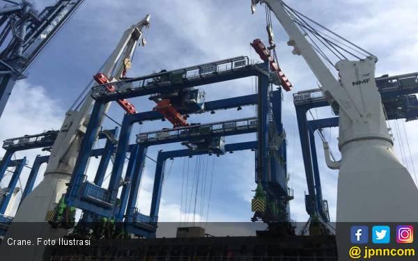 Kapal MV Soul of Luck Membentur Crane di Terminal Peti Kemas Semarang - JPNN.com