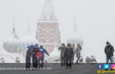 Ngeri, Badai Salju Bikin Moskow Bertekuk Lutut - JPNN.com
