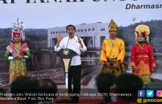 Telak, Jokowi Sentil BPN Sumbar Soal Utang ke Rakyat - JPNN.com