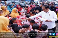 Program Perlindungan Sosial Turunkan Kemiskinan Era Jokowi - JPNN.com