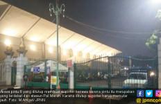 Pintu Ditutup, Suporter Keluhkan Jauhnya Akses Hall Basket - JPNN.com