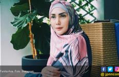Fenita Arie Rambah Bisnis Busana Muslim - JPNN.com