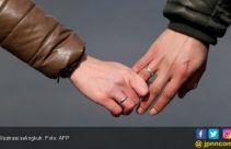 Ditinggal Suami Berlayar, Bidan Berbuat Terlarang dengan Dokter Puskesmas - JPNN.com