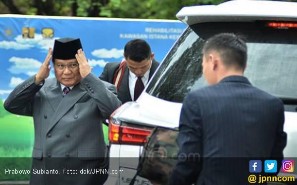Sebut RI Bubar pada 2030, Prabowo Dicap Bukan Negarawan - JPNN.com