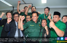 Tiba-tiba Yusril Ancam Jokowi Jelang Pileg 2019 - JPNN.com