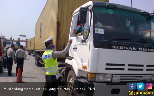 Kemenhub Tetapkan Pembatasan Waktu Operasional Angkutan - JPNN.com