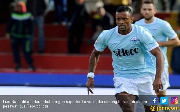 Nani Ngamuk di Pesawat, Suporter Lazio Kena Jotos - JPNN.com