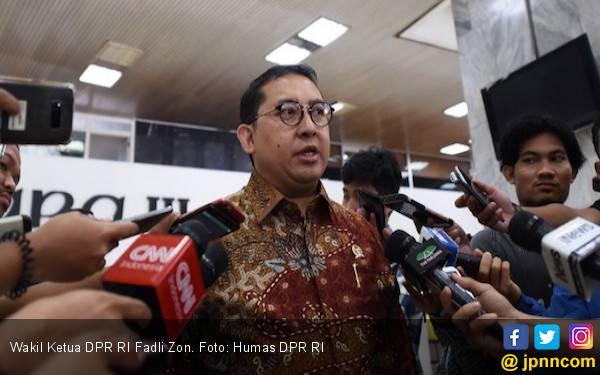 Fadli Zon: Prabowo Tidak Akan Tempuh Jalur MK, Percuma - JPNN.com