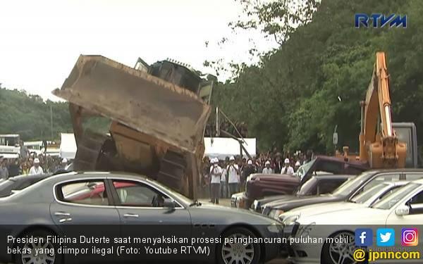 Jika Susi Tenggelamkan! Duterte Buldoser Mobil-mobil Ilegal - JPNN.com