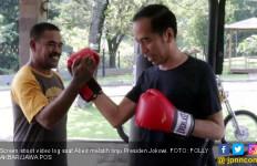 Presiden Jokowi Tinju, Pukulannya Masih Cukup Kuat, Wouw! - JPNN.com