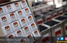Kaus Tulisan Hastag 2019 Ganti Presiden Sedang Marak - JPNN.com