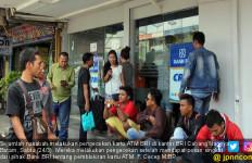 Ribuan Nasabah Serbu Kantor BRI Batam Usai Terima SMS Ini - JPNN.com
