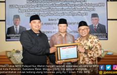 Utang Indonesia Rp 7.000 T, Ustaz HNW Sindir Jokowi Mulas - JPNN.com