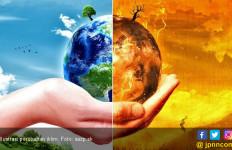 Lewat Buku, KLHK Ingatkan Setiap Orang Berperan Atasi Perubahan Iklim - JPNN.com