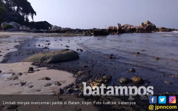 Limbah Sludge Oil Ancam Industri Pariwisata di Nongsa - JPNN.com