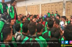 Lagi! Ratusan Driver Ojek Online Serbu Kantor Grab di Medan - JPNN.com