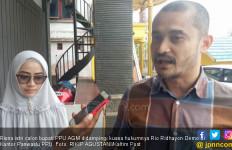 Istri Cabup Beri Nasi Bungkus Berstiker Paslon, Heboh - JPNN.com