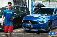 Lihat Nih, Tunggangan Super Mewah Kevin Sanjaya - JPNN.com