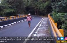 Oh Dewi, Sedang Hamil tapi Berjalan Kaki Sendiri Jauh Sekali - JPNN.com
