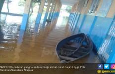 Terendam Banjir, Sekolah Ini sudah 5 Hari Liburkan Siswanya - JPNN.com