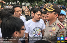 Massa Sopir Taksi Online di Depan Istana Merasa Dikibuli - JPNN.com
